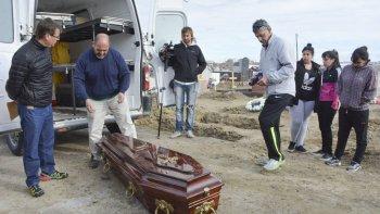 Esta semana se conocerá el resultado de la segunda autopsia realizada al cuerpo de Gustavo Gerez, que fue exhumado el viernes y restituido un día después al cementerio de Caleta Olivia.