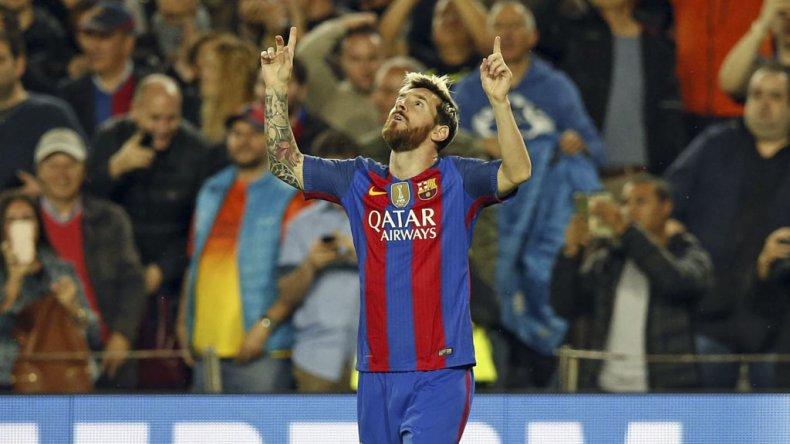 Lionel Messi volvió con todo a la titularidad del Barsa al marcar tres goles.