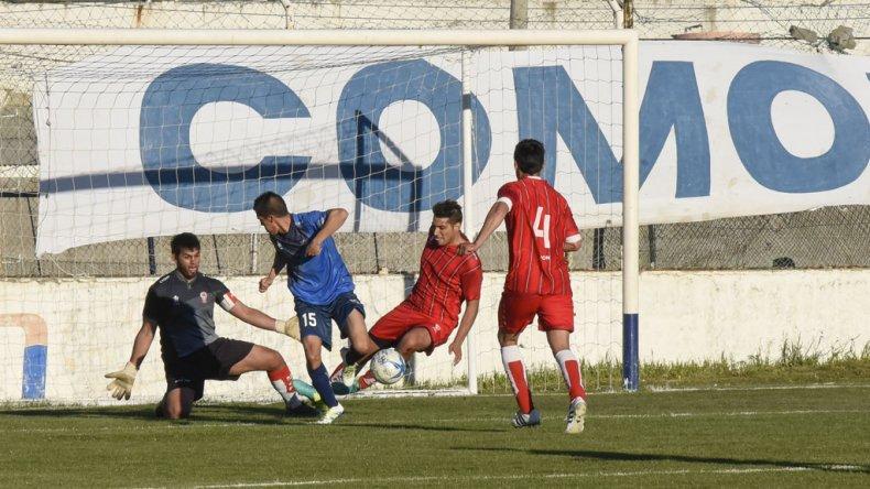 El taco de Hugo Videla camino al gol