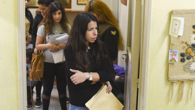 La demora para inscribir a los niños para primer grado en la Escuela 1 fue de hasta dos horas.
