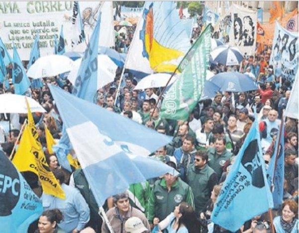 Fuerte protesta de la CGT contra el gobernador Schiaretti en Córdoba