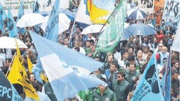 fuerte protesta de la cgt contra el gobernador schiaretti en cordoba