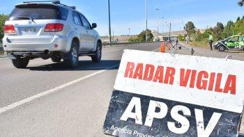 un radar movil controla las velocidades de los automovilistas en ruta 3 y rodriguez pena