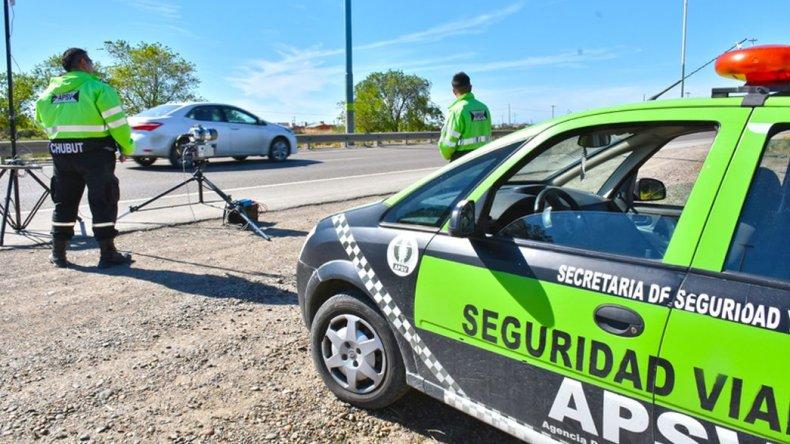 Un radar móvil controla las velocidades de los automovilistas en Ruta 3 y Rodríguez Peña