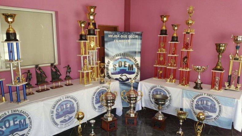 Los trofeos de fútbol once