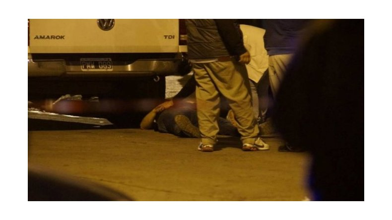 Dos policías mueren tras tirotearse con un oficial de la Bonaerense