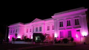 en una cruzada contra el cancer de mama el edificio de ypf se iluminara de rosa