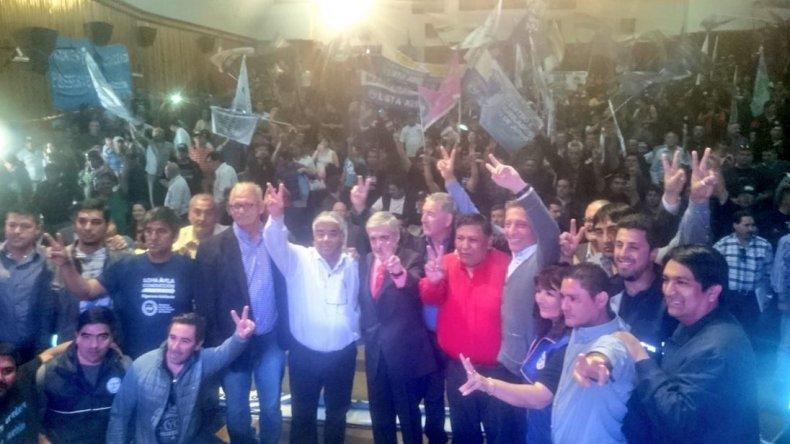 Das Neves pidió a Petroleros que voten en forma masiva a Avila