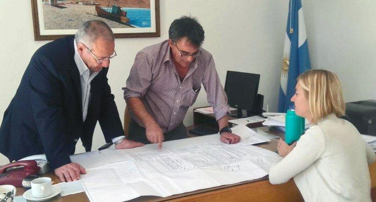 El ministro de Salud de la provincia se reunió con directivos del Hospital Alvear