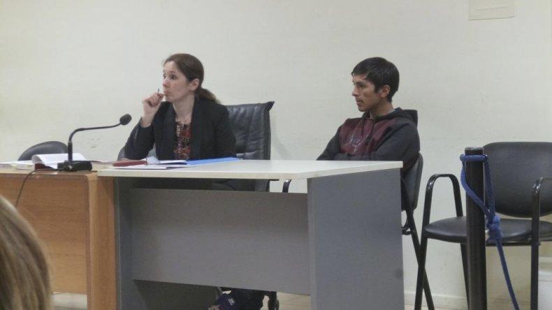 Axel Nieves en prisión. Se lo acusa de intentar matar a dos jóvenes en el barrio San Martín y atentar contra un oficial de policía