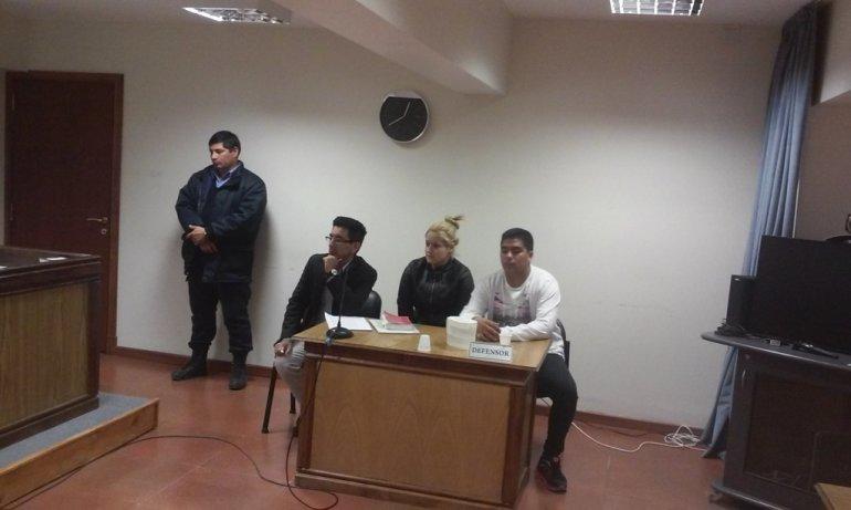 Desde ayer Mariano Figueroa y Daiana Altamirano se encuentran prófugos de la Justicia de Sarmiento.