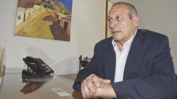 Inflexible. El ministro Hernández anticipó que las clínicas deberán prestar determinados servicios si quieren conservar sus actuales categorías.