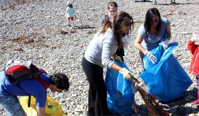En Caleta Olivia limpiaron las costas y el fondo marino