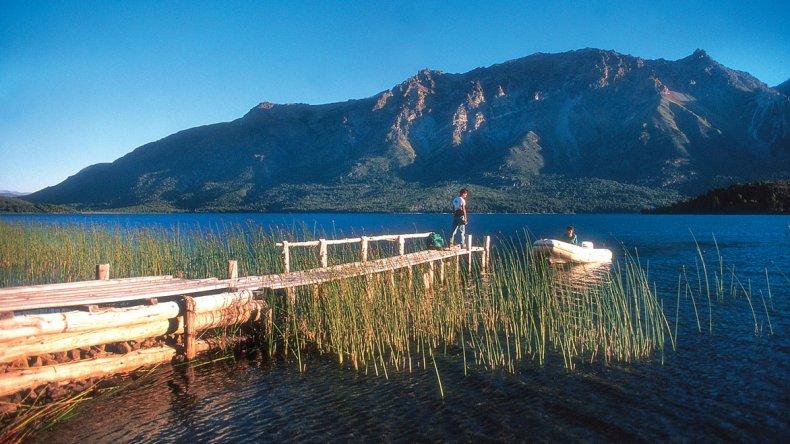 Pescadores suelen aprovechar para combinar su estadía con otras actividades turísticas en la región.