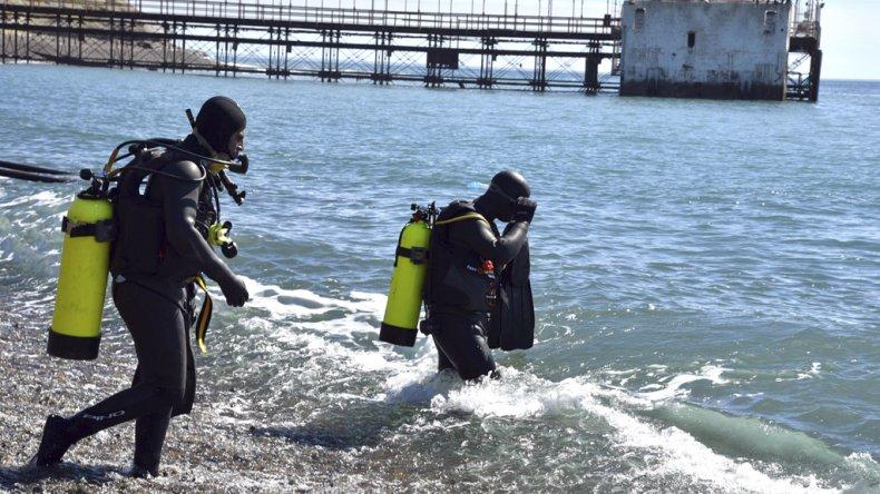 Playa y fondos marinos limpios por la protección del medio ambiente