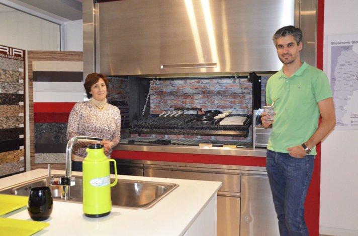 Los sistemas de asadores de Apunto ya se pueden conseguir en Reno Amoblamientos.