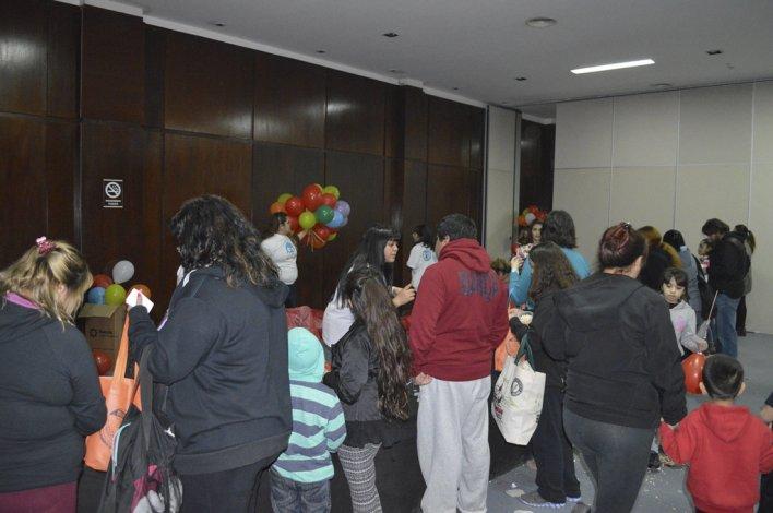 Petroleros Jerárquicos entrega  juguetes a hijos de los afiliados
