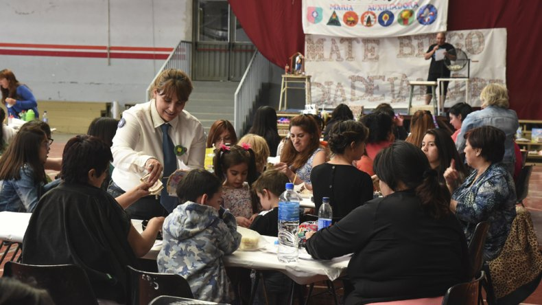 La actividad de recaudación de fondos consistió en un Mate Bingo desarrollado en el Domingo Savio.