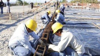 Más de 300 obras públicas se desarrollarán en las 47 ciudades y localidades de Chubut con los fondos del endeudamiento.