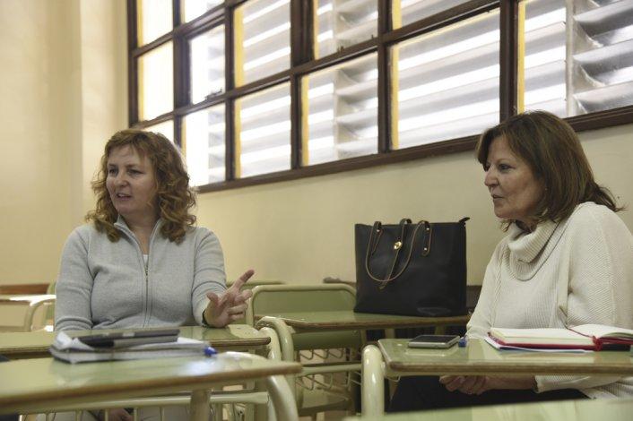 Las docentes Marta Bianchi y Silvia Brun brindaron detalles del acto que se realizará el 3 de noviembre para celebrar los 30 años de la carrera Licenciatura en Comunicación Social.
