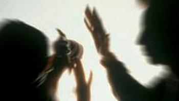 amenazo a su ex pareja, golpeo  a un policia y termino detenido
