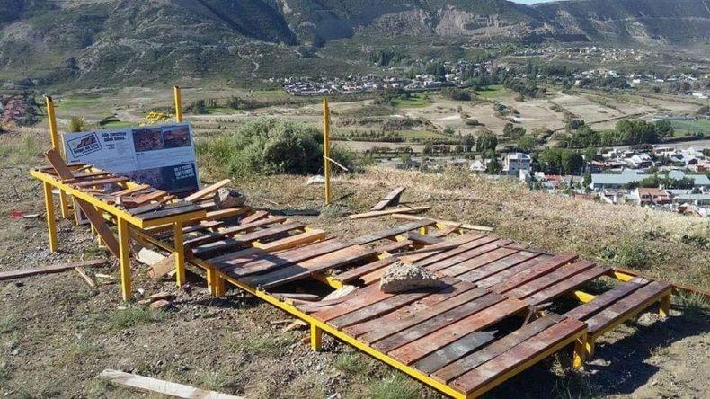 Los Amigos del Cerro invitan a terminar la reconstrucción del mirador