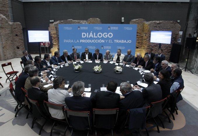 La CGT desmintió a Triaca: nunca debatimos que el bono se pague en cuotas