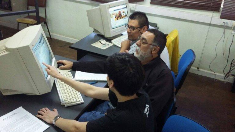 Dirigentes vecinales se capacitaron en Herramientas para la comunicación Web 2.0