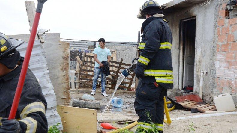 Se incendió una vivienda en La Floresta: dos dotaciones de bomberos debieron asistir