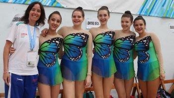 El equipo chubutense de gimnasia rítmica que participa de la instancia Nacional de los Juegos Evita.