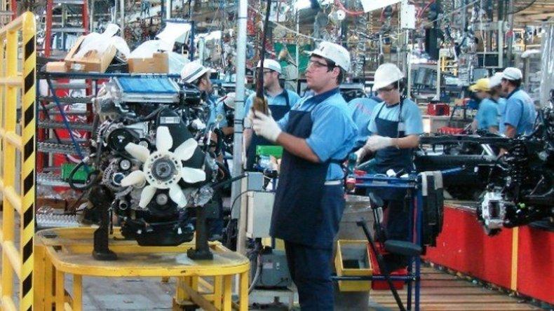 La actividad económica sigue en caída: bajó 2,6% en agosto