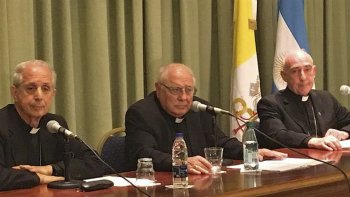 El anuncio de la apertura de los archivos lo hicieron el cardenal Mario Poli, monseñor José María Arancedo y el obispo de Chascomús, Carlos Malfa.