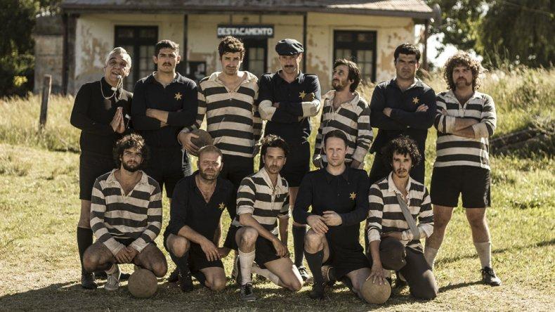 Un partido de fútbol entre policías y presos es el eje de El hijo de Dios.