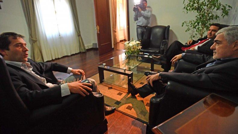 El gobernador Mario Das Neves recibió al viceintendente Juan Pablo Luque