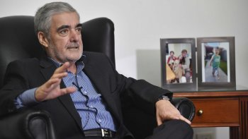 Ayer se cumplió un año de la elección de Mario Das Neves como gobernador para un tercer período.