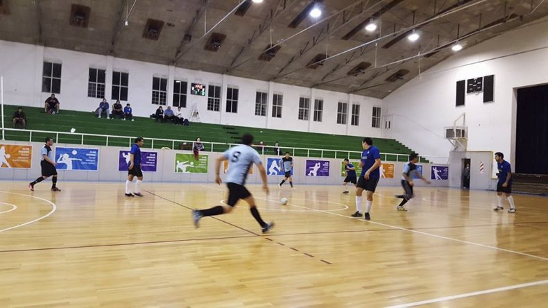 El torneo Jerárquico define la copa Juan Carlos Caicheo el domingo en el gimnasio de Florentino Ameghino.
