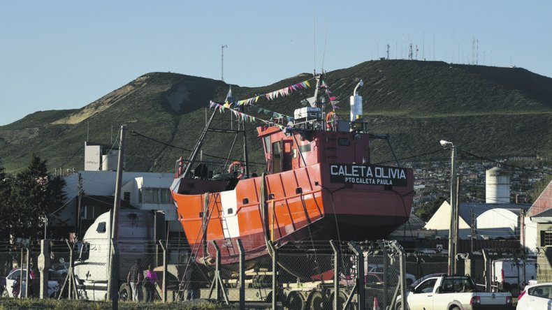El buque pesquero Caleta Olivia será botado hoy al mar y cumplirá funciones en el puerto santacruceño de Caleta Paula.