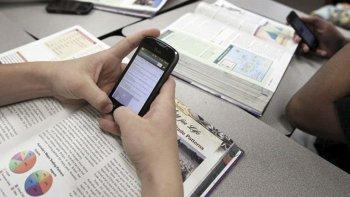 La prohibición del uso de celulares regía desde 2006.