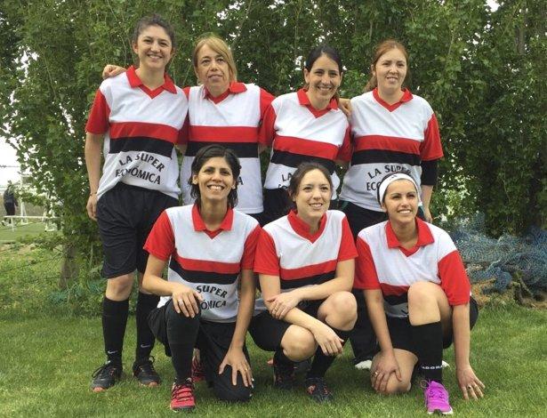 Las chicas se sumaron este año al certamen de fútbol reducido de los empleados bancarios.