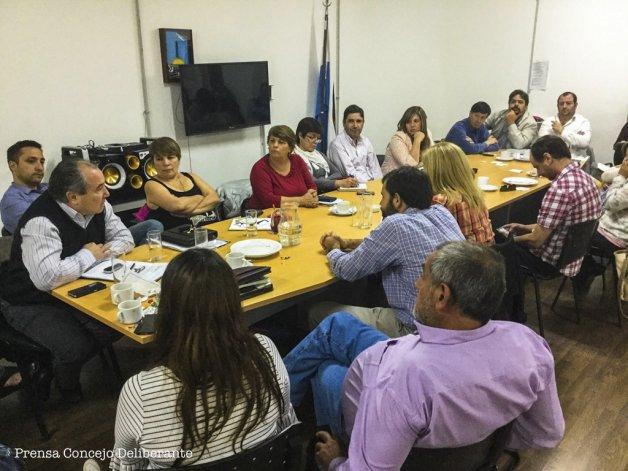La reunión que se celebró ayer en la sede del Concejo Deliberante de Comodoro Rivadavia.