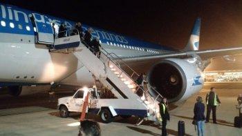 exploto la turbina de un avion de aerolineas argentinas