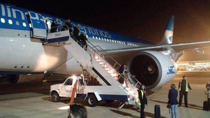Explotó la turbina de un avión de Aerolíneas Argentinas