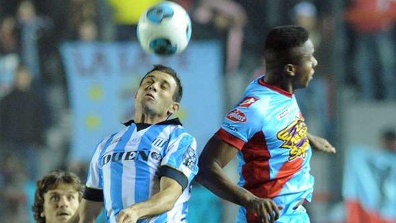 Racing necesita ganar para seguir prendido arriba y olvidar la eliminación de la Copa Argentina.