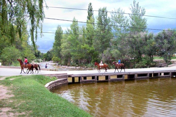 Otras actividades fuera del turismo religioso complementan la visita a la villa.