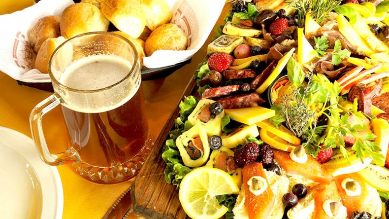 También se puede encontrar cerveza artesanal