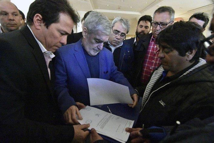 Das Neves al recibió el 13 de octubre en Comodoro Rivadavia el petitorio de los obreros de Guilford