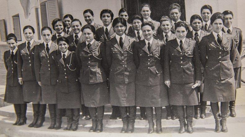 Ellas fueron el primer grupo de la Brigada Femenina de Asuntos Juveniles que trabajó en Comodoro