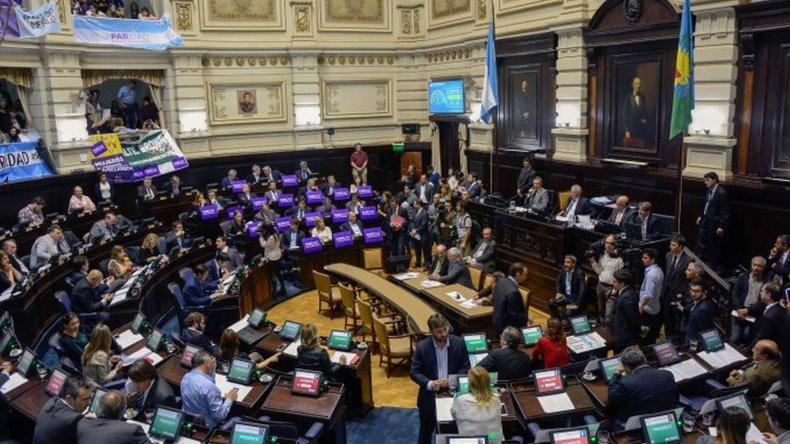 Los diputados y senadores se subieron un 47% el sueldo