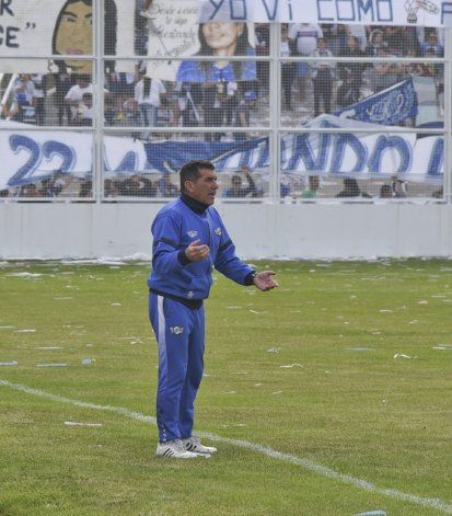 Luis Murúa valoró el protagonismo de su equipo y afirmó que van a clasificar frente a Camioneros.