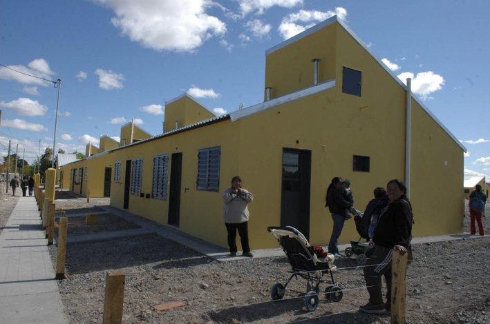 El Instituto Provincial de la Vivienda se comprometió a inaugurar 150 casas más en los dos meses que quedan de 2016.